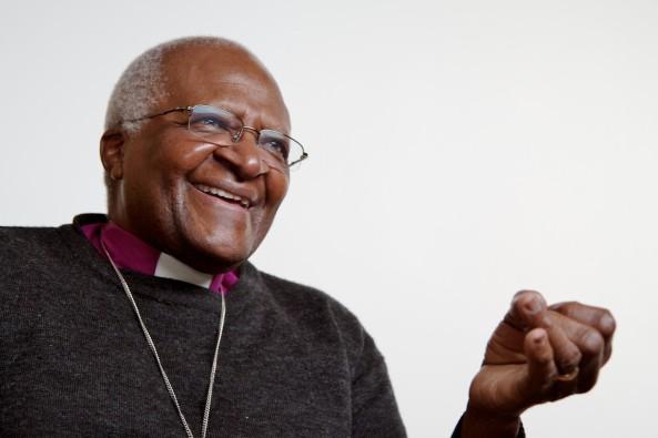 Desmond Tutu phones Omar Khadr